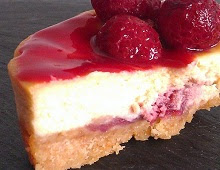 Cheesecake coeur surprise de coulis de framboise