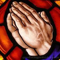 Kaca+Patri+Tangan+Berdoa