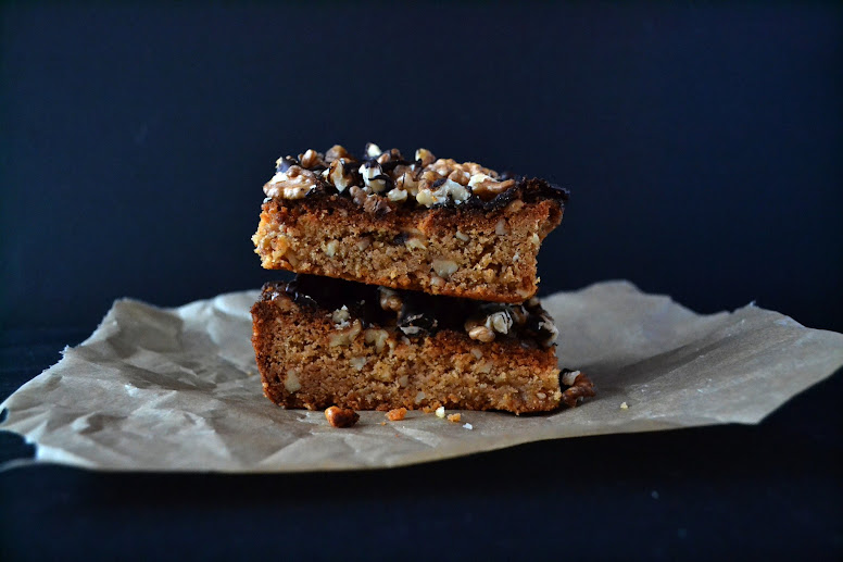 Blondies with peanut butter