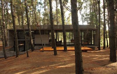 8f09d281 Casa Cher: Arsitektur Modern Yang Bersahabat Dengan Alam