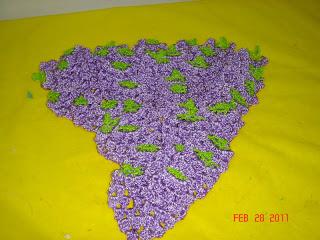 8335672f12 Marjory Artes   Cachos de Uvas em Crochê