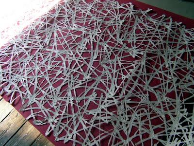 紙の原料、主に三椏の繊維を絡ませ作製した空間演出用の大判和紙