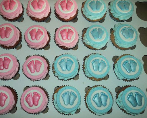 De Gender Reveal Party  Cupcakes.jpg