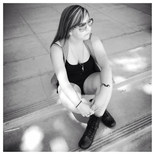 Erica Lara Photo 24
