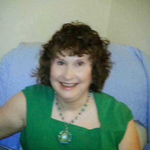 Margaret Lyons Photo 37
