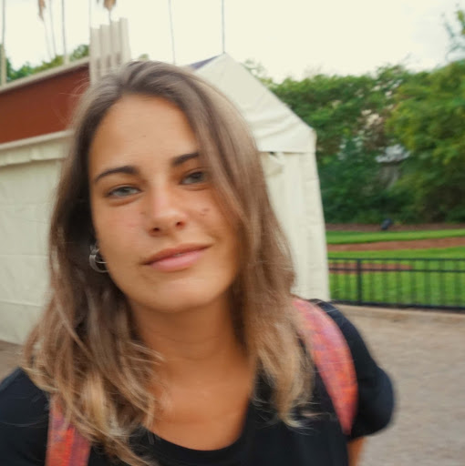 Anita Lira Photo 10