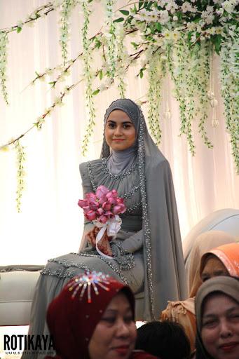 gambar kahwin Ana Raffali