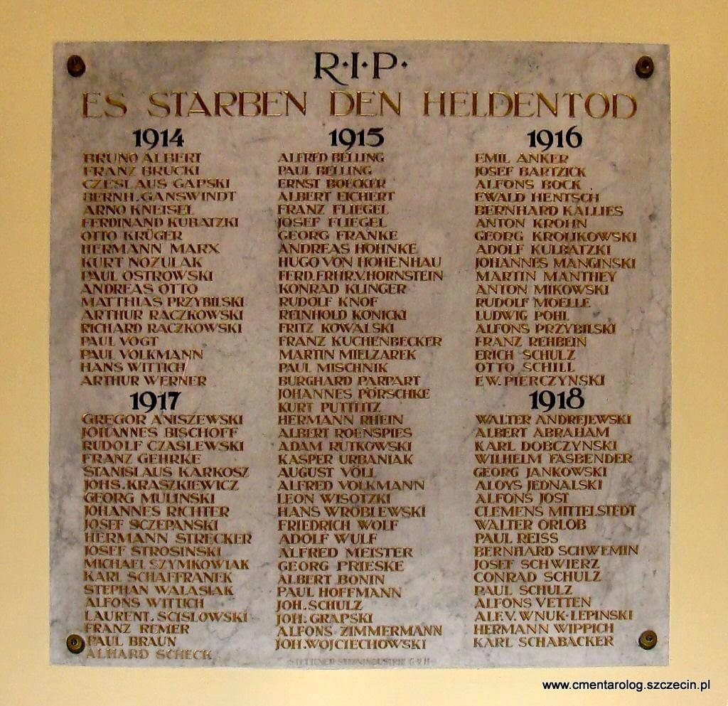 tablica z nazwiskami 111 parafian z kościoła przy ul. Bogurodzicy poległych w I w.ś.