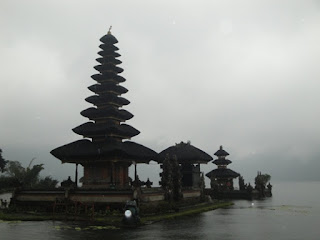 Singaraja - Buleleng and Beratan Lake / North Bali Tours Packages