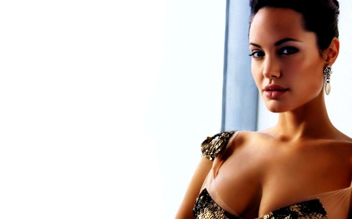 Angelina Jolie Wallpaper 1