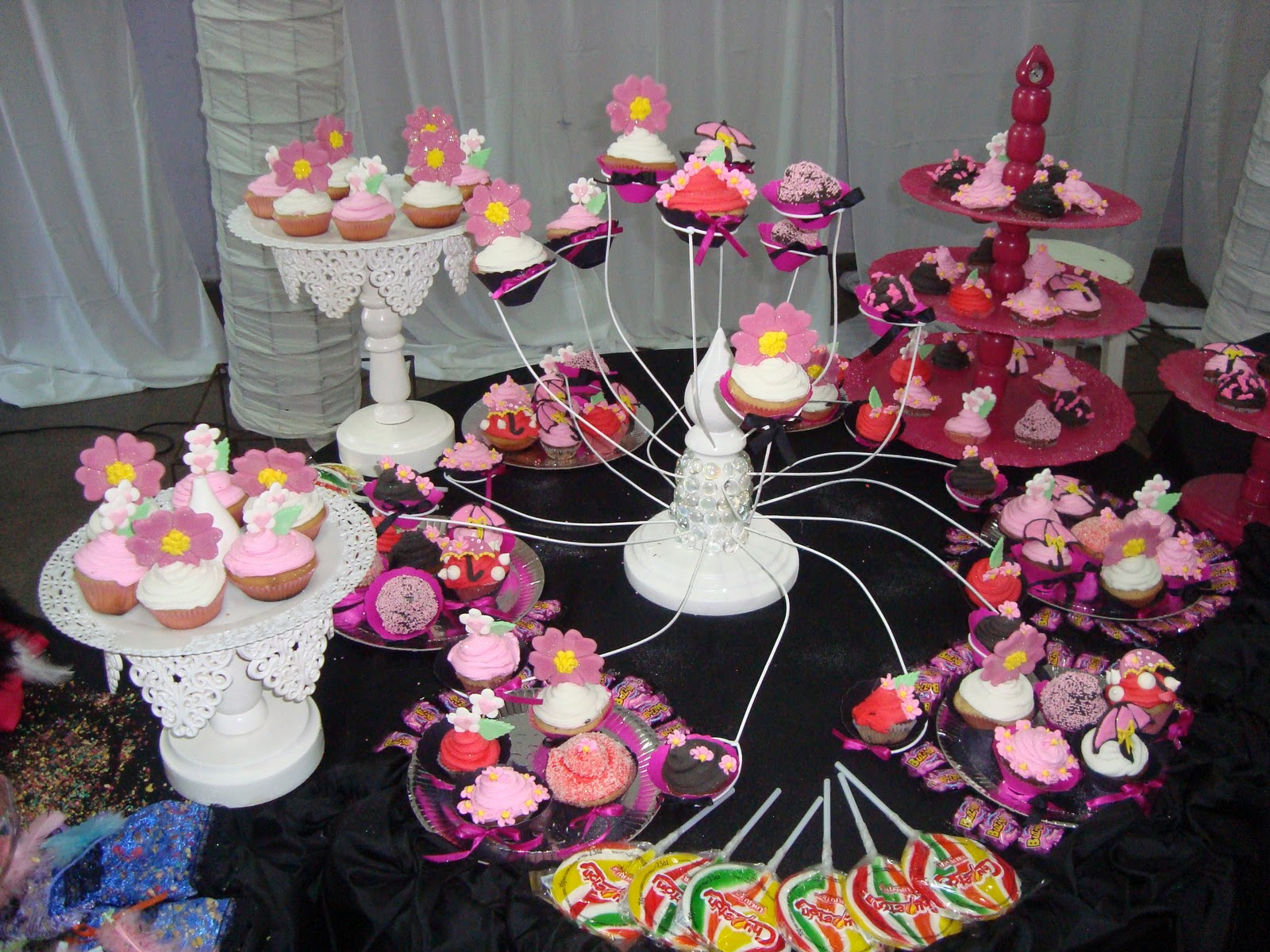 Mesas dulces tortas baby shower en formosa decoraci n for Decoracion para mesa dulce