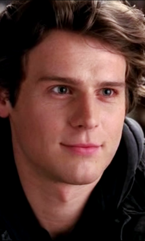 Jesse Fuera De Glee Por Culpa De Sunshine