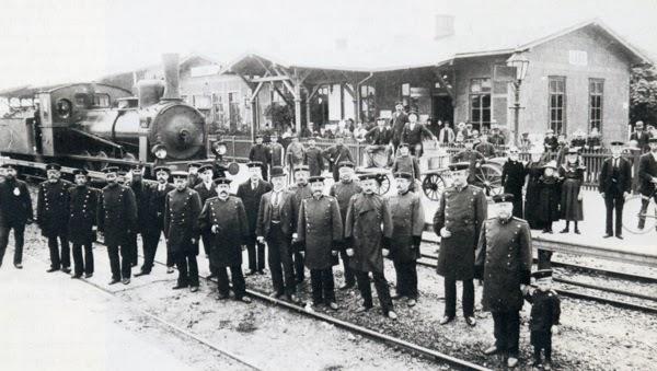 Der Bahnhof in Lage um 1900.