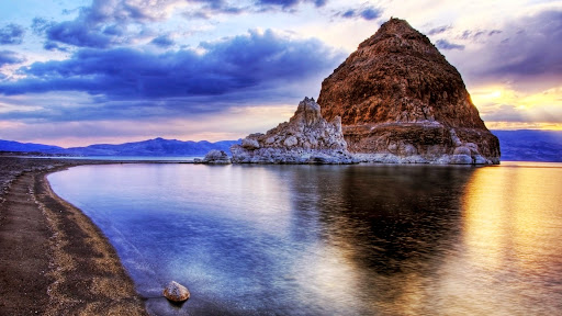 Sunset at Pyramid Lake, Nevada.jpg
