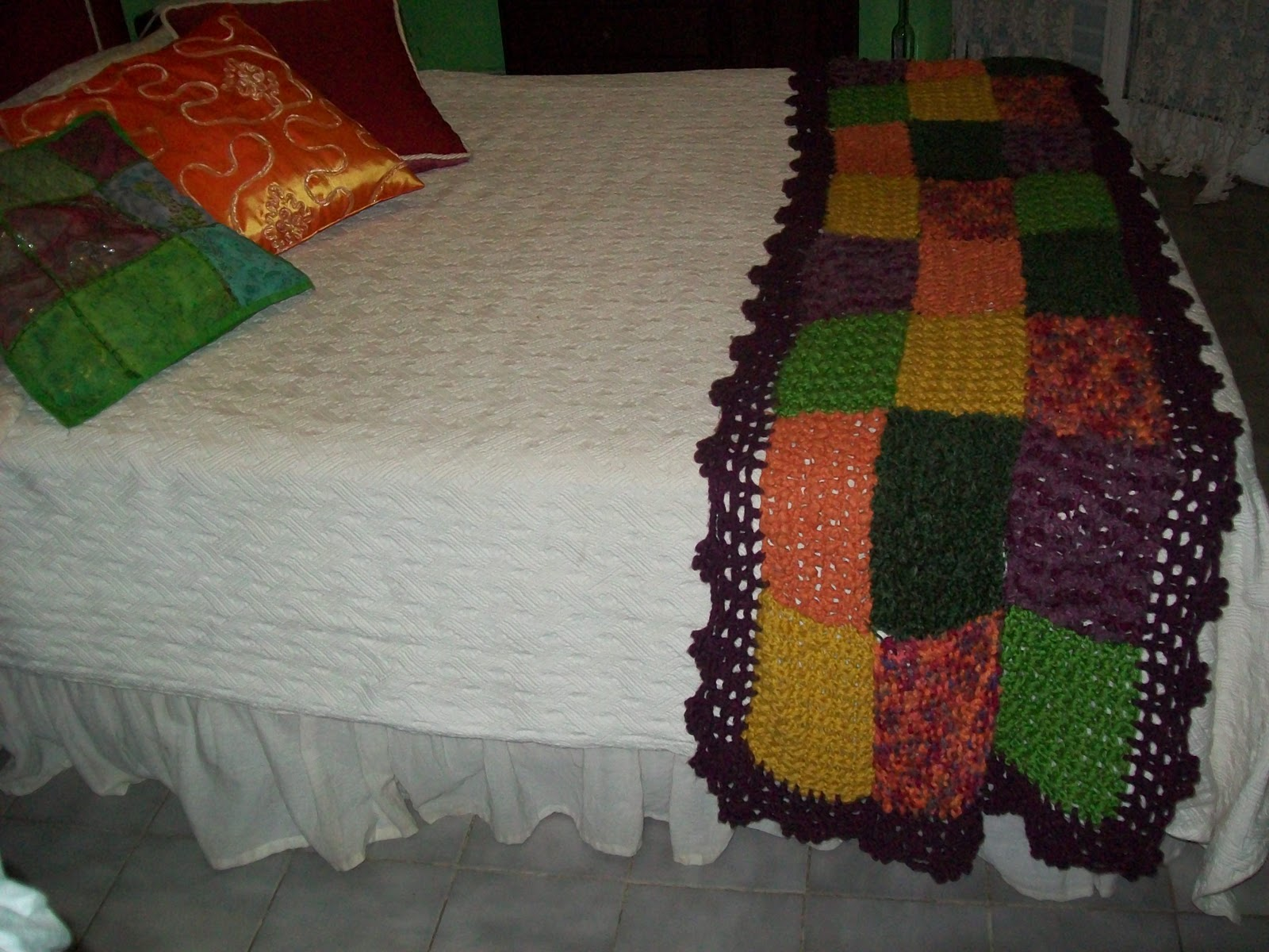 Abuela cata tejido de dise o marzo 2011 - Alfombras pie de cama ...