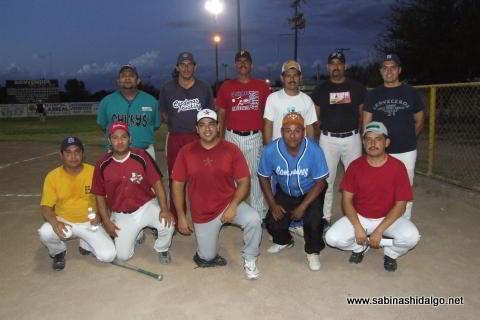 Equipo Cerveceros del torneo nocturno de softbol