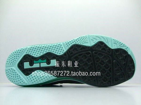 Detailed Look at LEBRON 9 GreyMint CandyNew Green 8220Easter8221