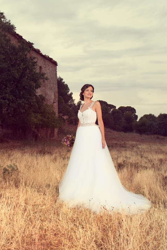 Vestido de novia con corset de tirantes