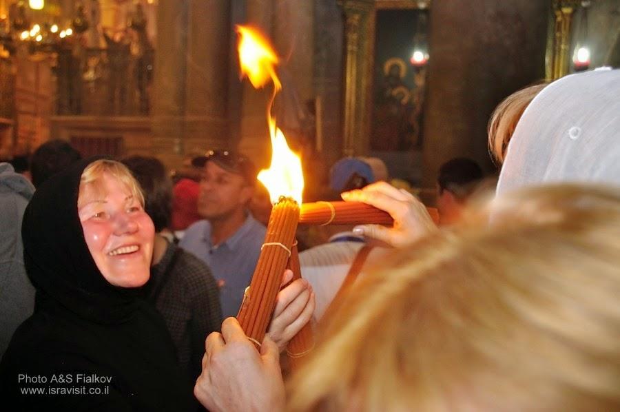 Схождение Святого Благодатного огня в Храме Гроба Господня. Иерусалим. Гид в Иерусалиме Светлана Фиалкова.