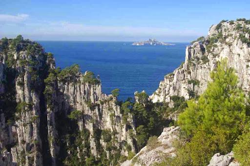 Vers l'île Riou (au premier plan à gauche la pointe de Castel Vieil)