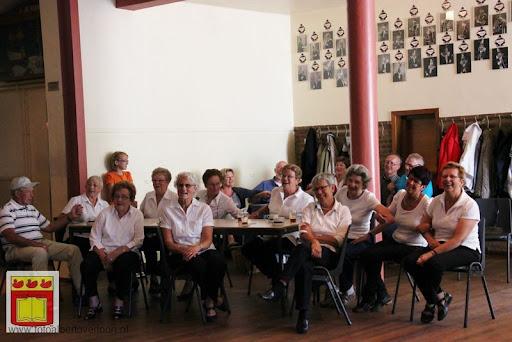 Senioren komen kijken bij de buren kbo 02-06-2012 (43).JPG