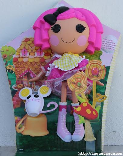 """Lalaloopsy Crumbs Sugar Cookie """"grande"""" y su mascota"""
