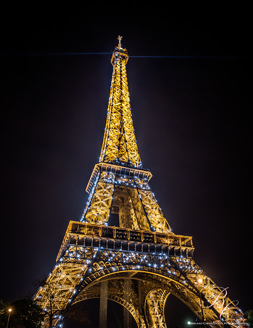 City of Light! The Light of the city!  The Heart of Paris... PARIS!!! Eiffel Tower From a weekend off...