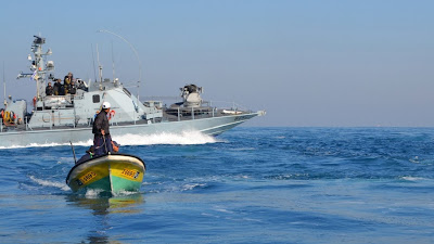 Israeli navy attacks international observers, injures Palestinian, on monitoring boat in Gaza waters