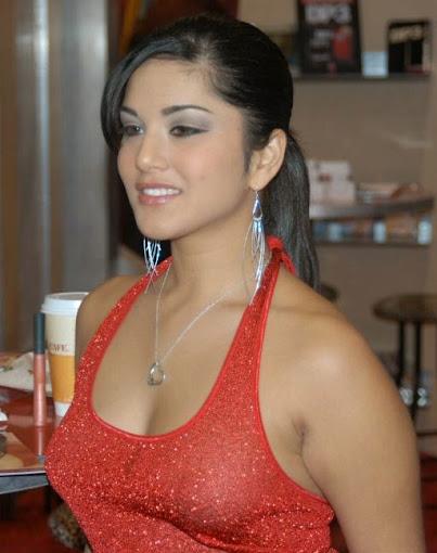 Sunny Leone In Hot Bra-7567