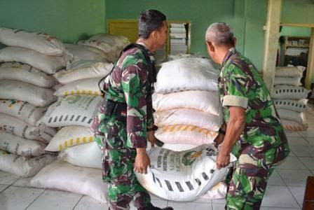 Polri dan TNI lakukan penyitaan pupuk bersubsidi illegal