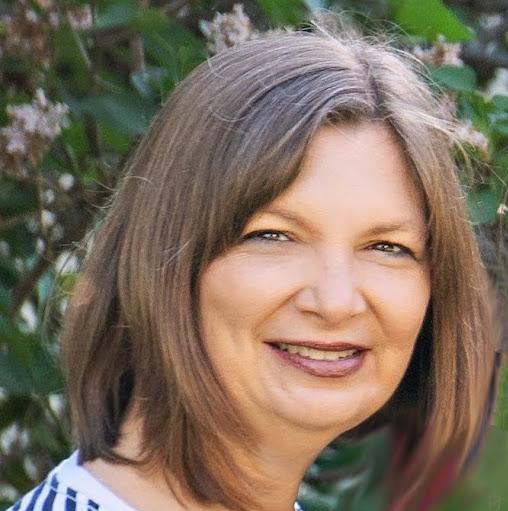 Lisa Yunker