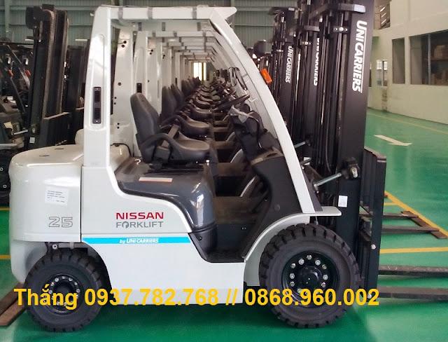 Xe nâng diesel 2.5 tấn Unicarriers