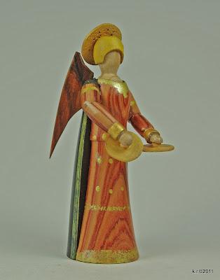 Engel der Laudes, Seitenansicht