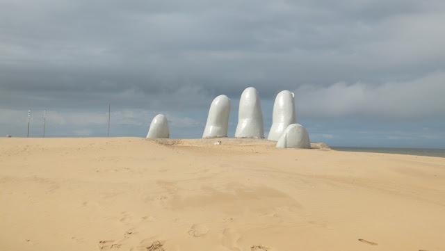 dedos punta del este, irrazabal, uruguay, elisaorigami, travel, blogger, voyages, lifestyle