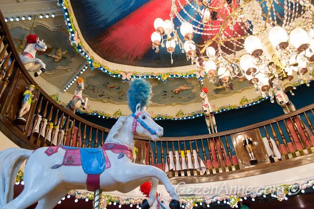 La Rotonde Brasserie'nin atlı karıncalı ortamı, Le Negresco Otel Nis
