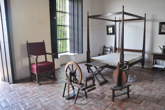 ponce's bedroom