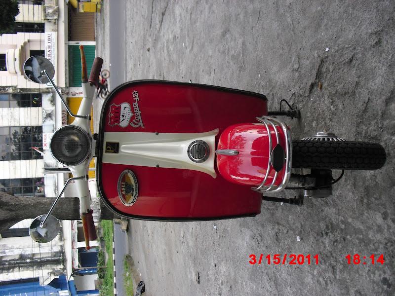 gombloh vespa club variasi cat motor fosfor cat motor variasi fosfor  title=