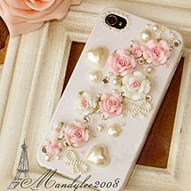 Celular personalizado com rosas e corações perolados