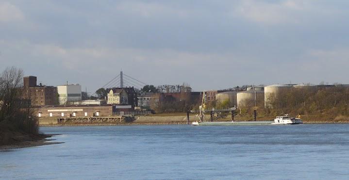 Reisholzer Hafen.