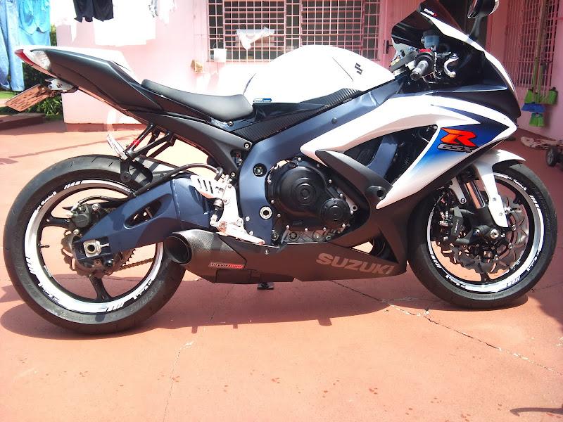 Brinquedo novo na área - GSXR 750 2012 Branca (pag 2) DSC_0077