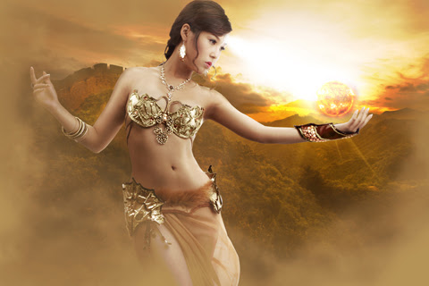 Song nữ khoe dáng với cosplay Truyền Thuyết Bóng Đêm 7