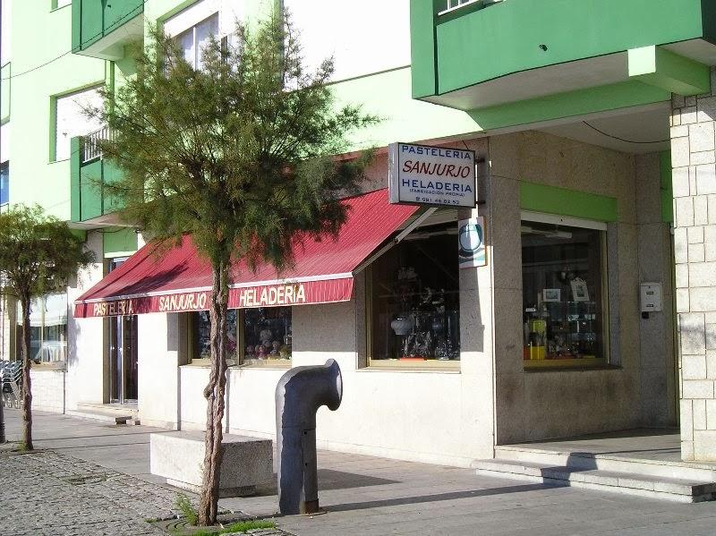 Pastelería - Heladería Sanjurjo, colaborador coa A.D.R. Numancia de Ares.