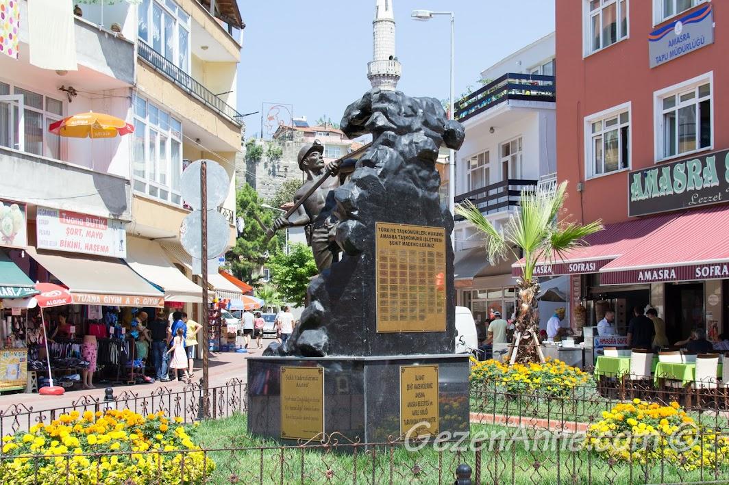 Şehit Madenci heykeli, Amasra, Bartın