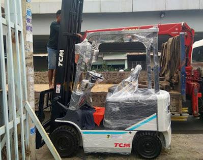 Xe nâng điện TCM 2 tấn cao 4.3m 4.5m 4.7m