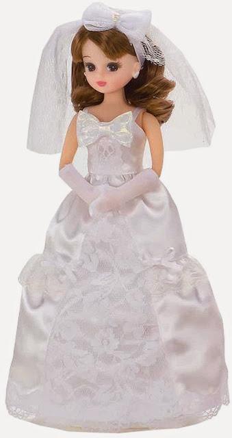búp bê Licca mặc váy cô dâu