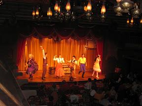 Disney 2004: Hoop Dee Doo Revue