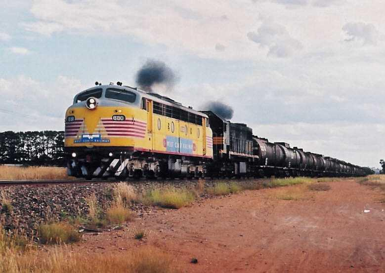B80-X53 on the empty fuel train from Canberra near Bungendore. (2004-01-20 by