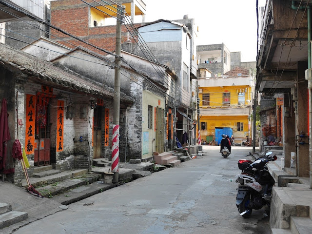 traditional style homes south of Jiaoqiao New Road (滘桥新路) in Yangjiang