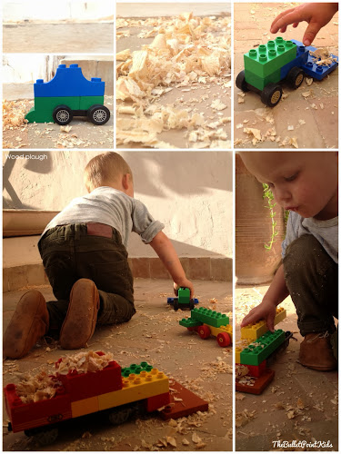 Sensory play/ wood shavings
