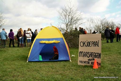 nk Maasheggenvlechten Oeffelt 11-03-2012 (24).JPG